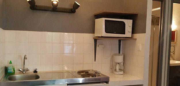 location-meublee-greoux-studio-14-cuisine